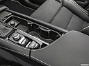 2019 Volvo XC90 T6 Momentum, cup holders.