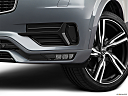 2019 Volvo XC90 T6 Momentum, driver's side fog lamp.