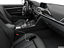 2020 BMW 4-series 440i, auxiliary jack props.