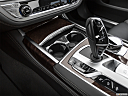 2020 BMW 7-series 740i, cup holders.