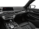 2020 BMW 7-series 750i xDrive, center console/passenger side.