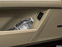 2020 Cadillac CT6 Luxury, cup holder prop (tertiary).