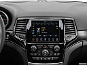 2021 Jeep Grand Cherokee Limited, closeup of radio head unit