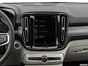 2021 Volvo XC40 T4 Inscription, closeup of radio head unit