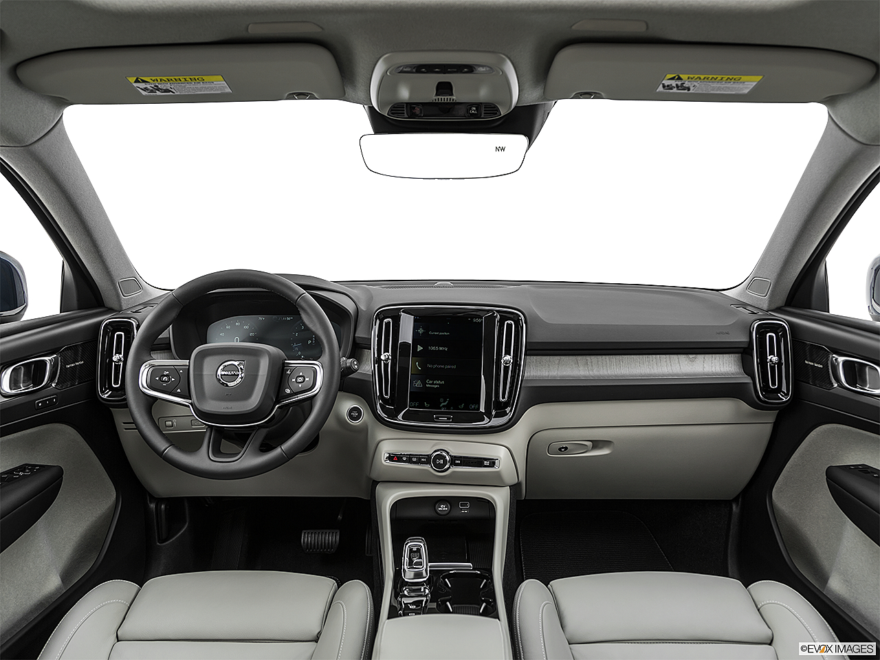 2021 Volvo XC40 T4 Inscription, centered wide dash shot