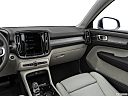 2021 Volvo XC40 T4 Inscription, center console/passenger side.